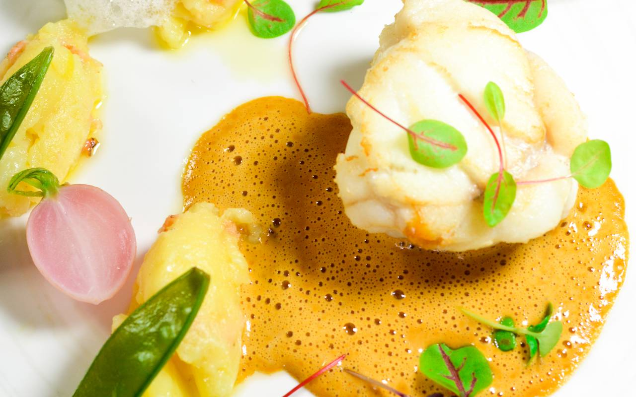 plat gastronomique de poisson, hôtel 4 étoiles Alsace, Le Maréchal